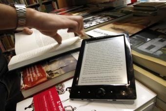 Las bibliotecas públicas comienzan a prestar de libros digitales