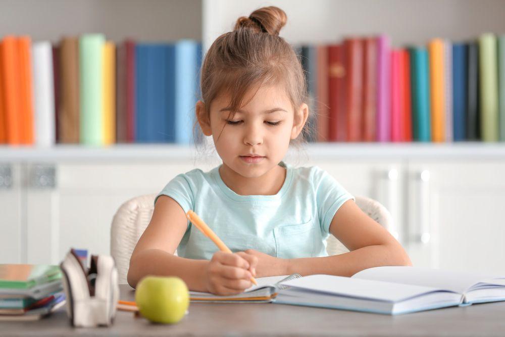 ¿Qué objetivos y funciones tiene la biblioteca escolar?